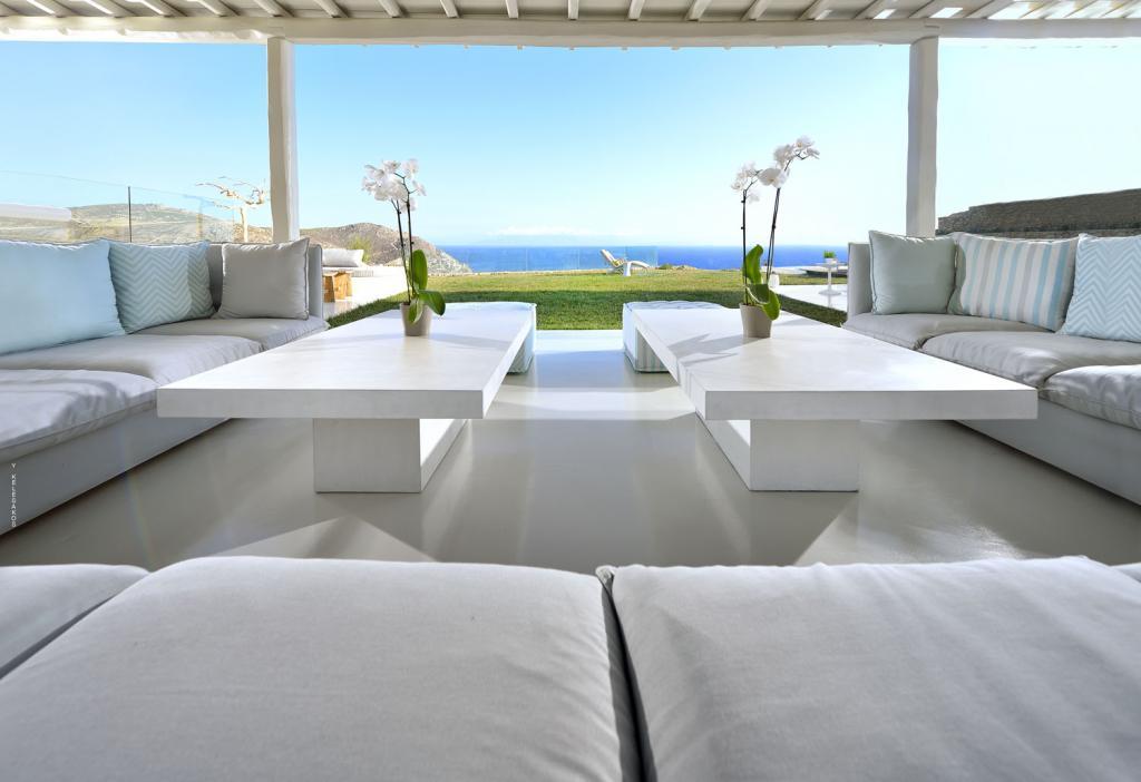 Villa White Lady - External Lounge