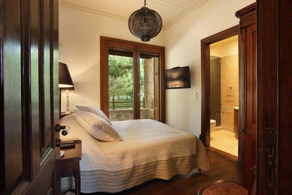 21-Double-Bedroom1