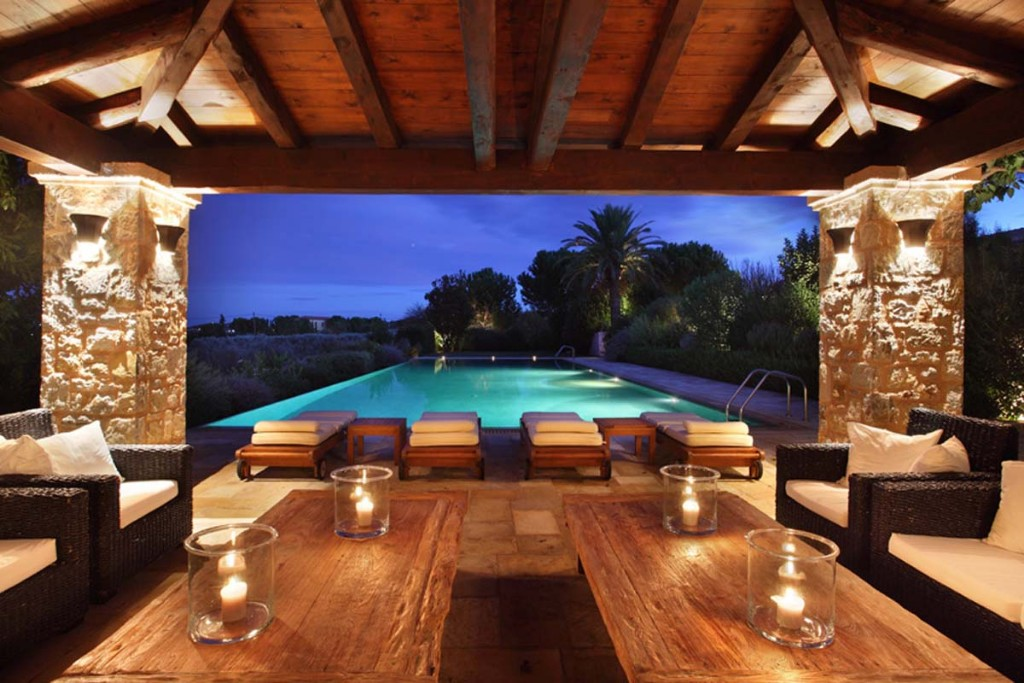 30-Pool-House1
