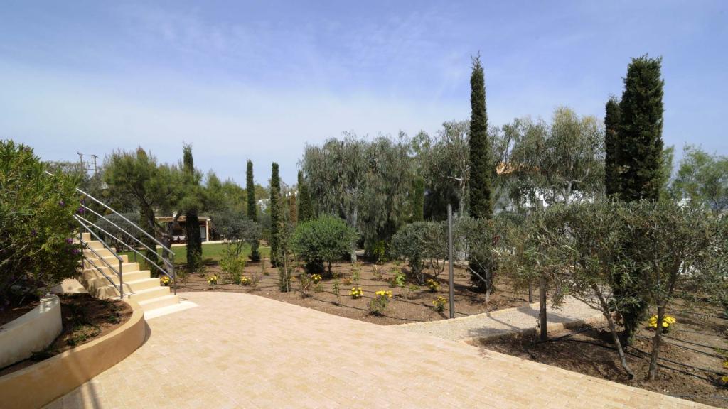 AFP4684-garden-1920X1080