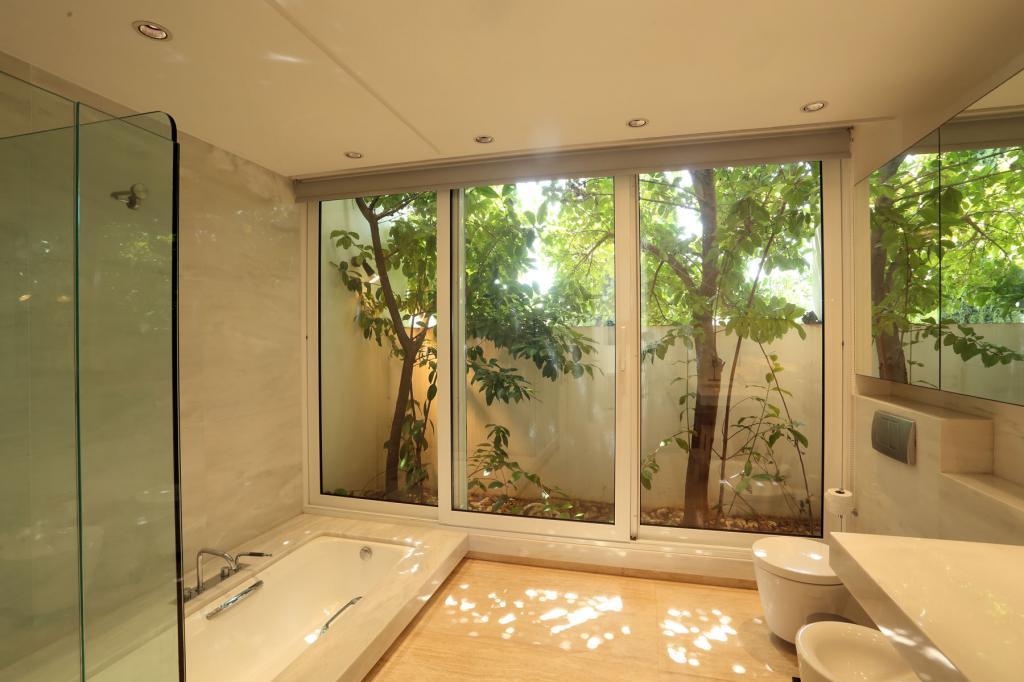 PHEL_014-blue_mosaic_villa_porto-heli_bathroom-1