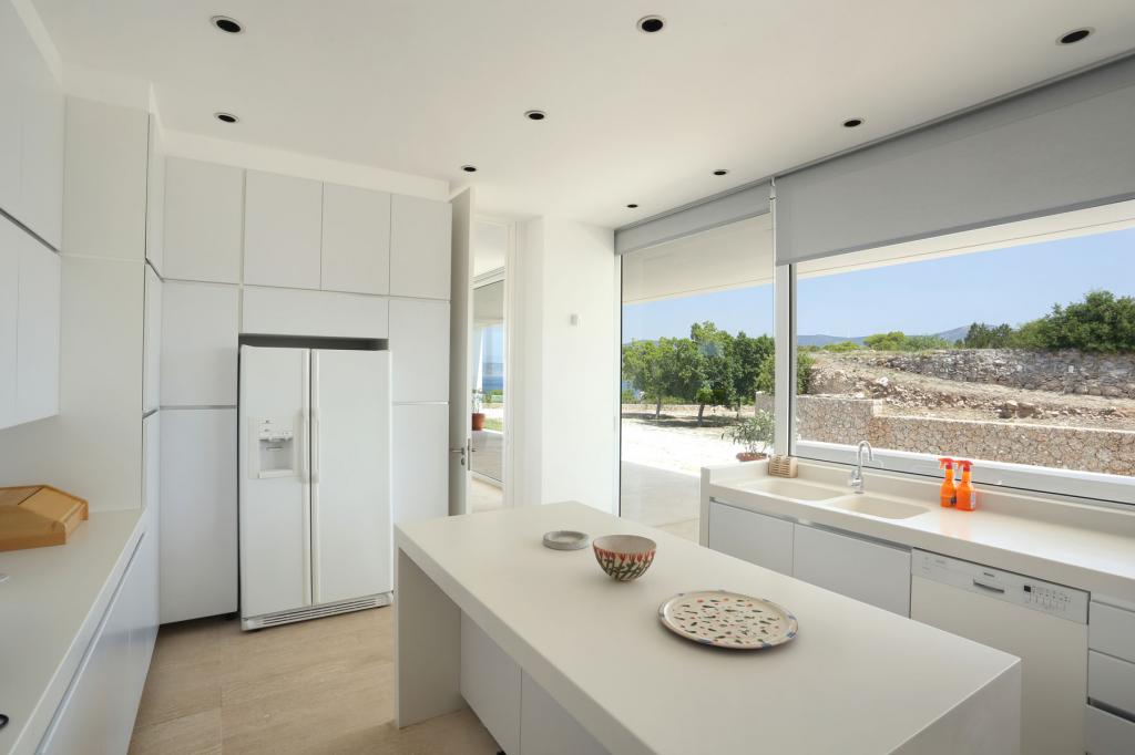 PHEL_014-blue_mosaic_villa_porto-heli_kitchen