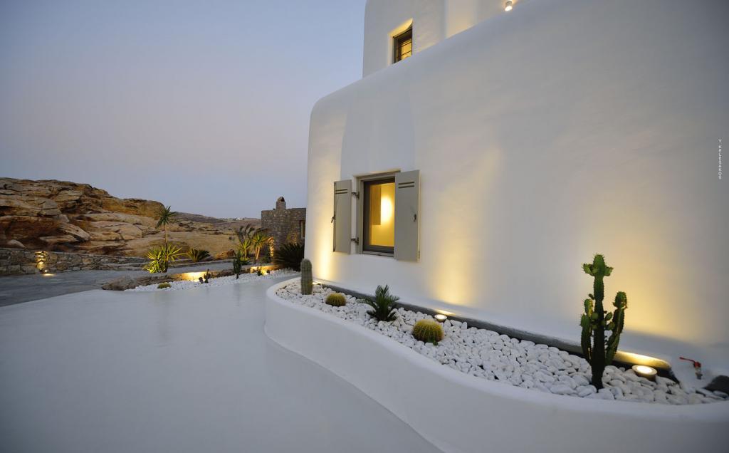 Villa White Lady