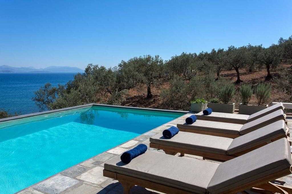 pool-sunbeds_279