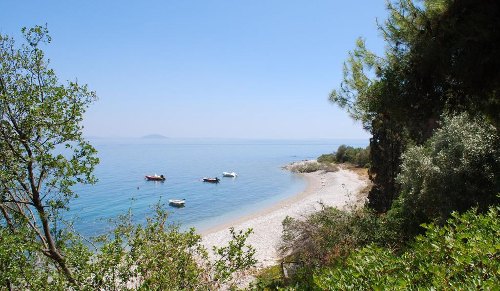 villa-Starlett-Nafplio_beach-03